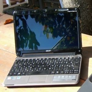 Acer One 571h Netbook
