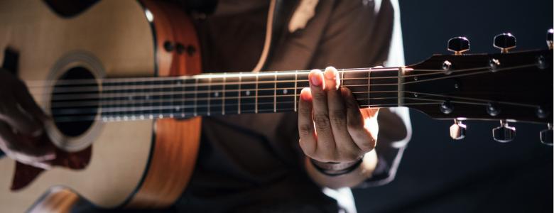 4 dolog, amit gitár akkordok tanulása során mindenképpen tudnod kell kezdőként